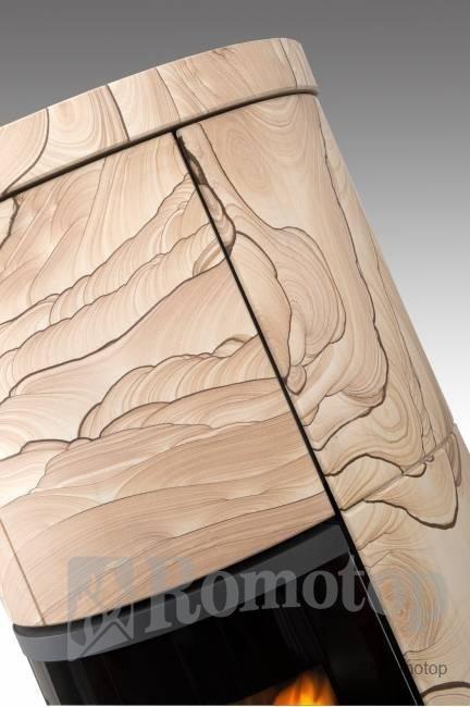 Romotop SORIA su smėlio akmens apdaila